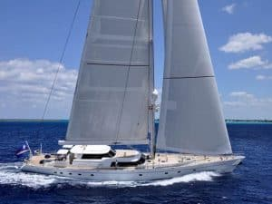 Hyperion Sailng Yacht